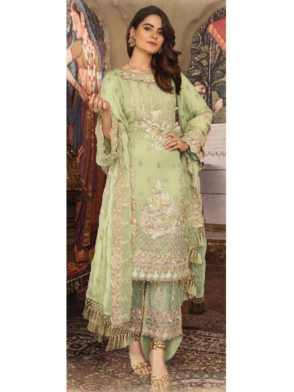 Heavy Georgette Pakistani Style Suit