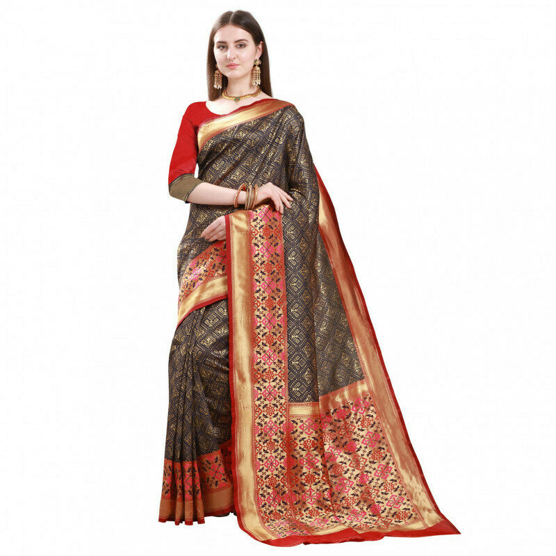Adoring Red And Black Color Jacquard Saree