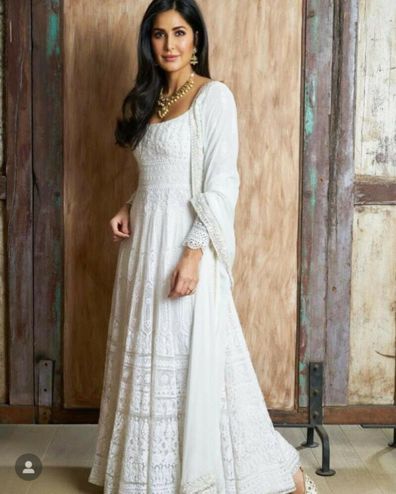 Designing White Georgette With Chaine Stich� Work With Full Sleeve