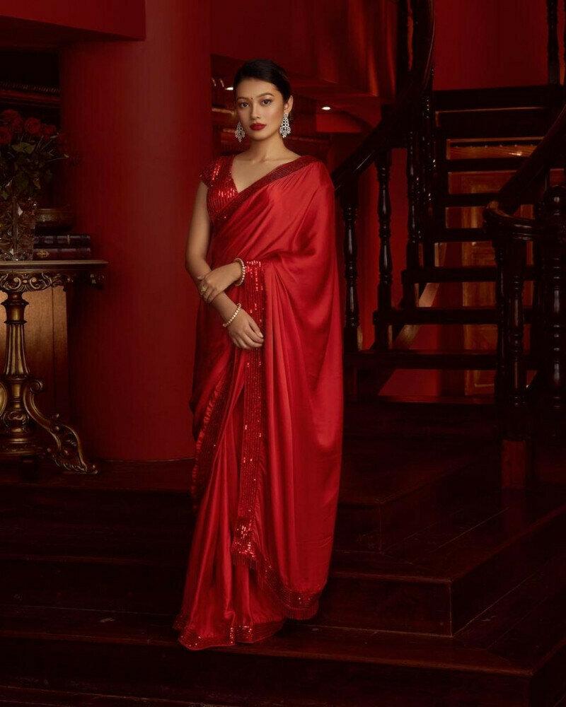 Divine Designer Red Color Saree in low rate
