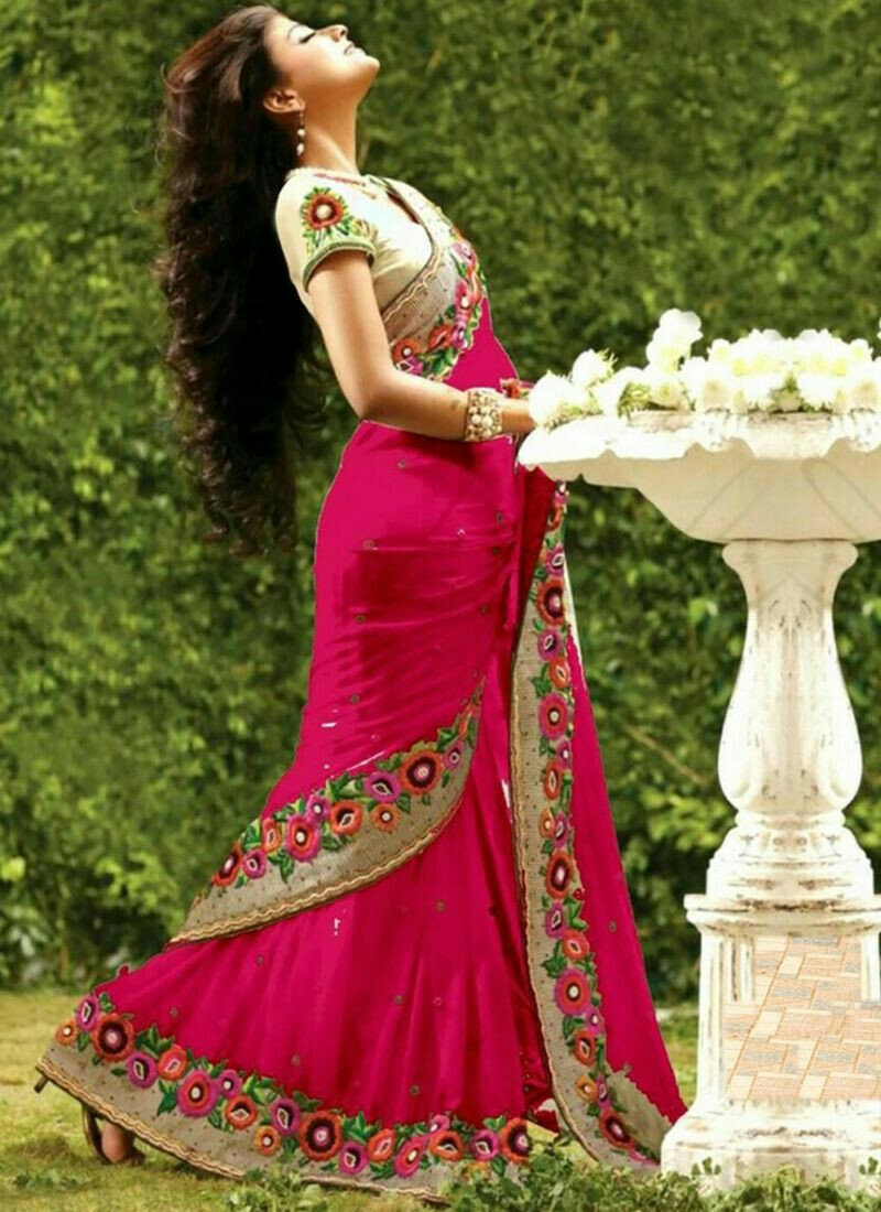 Picture of Splendid Dark Pink Georgette Designer Saree