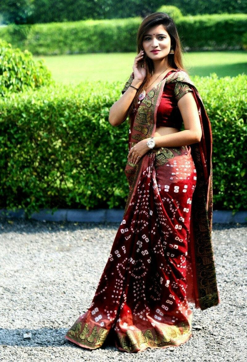 Pretty Maroon Bandhej Silk With Weaving Zari Border Saree for Party Wear