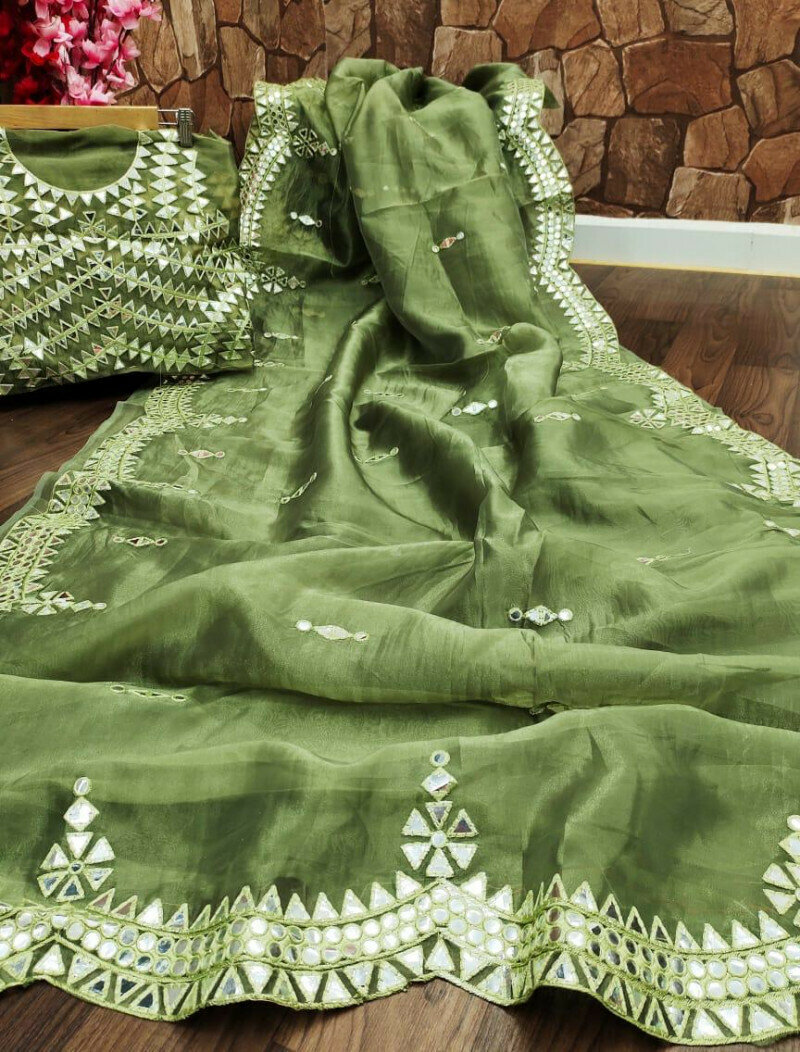 Woman Wear Green Saree
