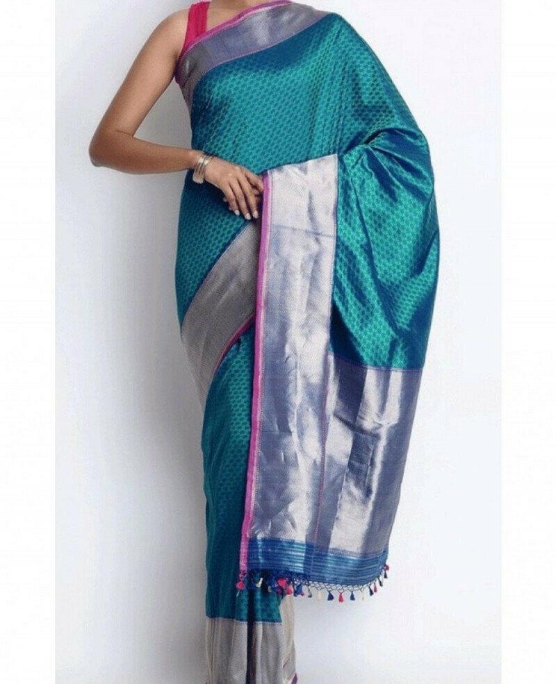 Women Fabulous Color Digital Printed Linen Saree With Blouse(Blue color)