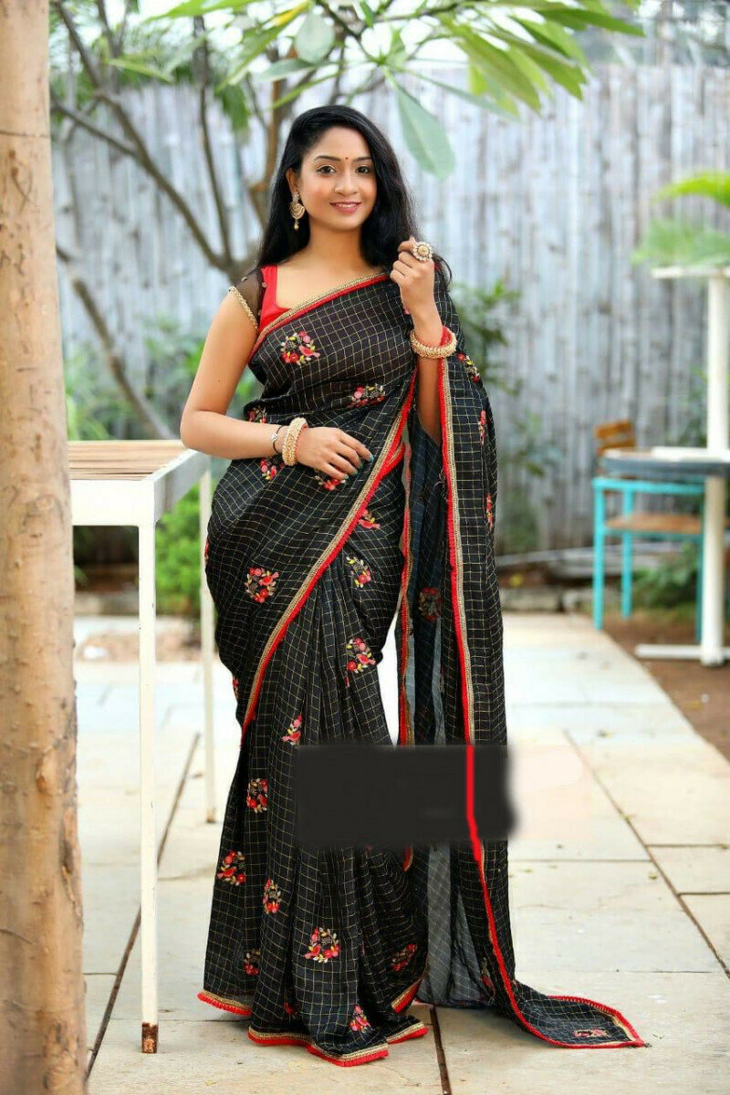 Women Jacquard Cotton Chex Embroidered With Lace Work Black Saree