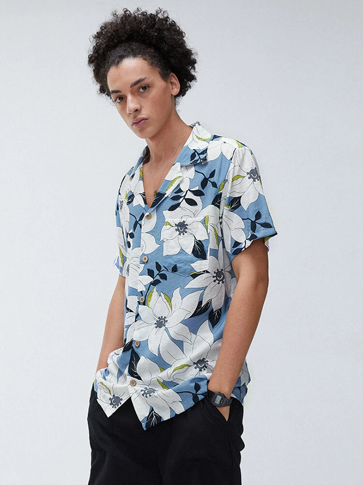 White And Sky Clematis Chinensis Floral Print Chest Pocket Short Sleeve Turn Down Collar Hawaii Style Shirt For Men
