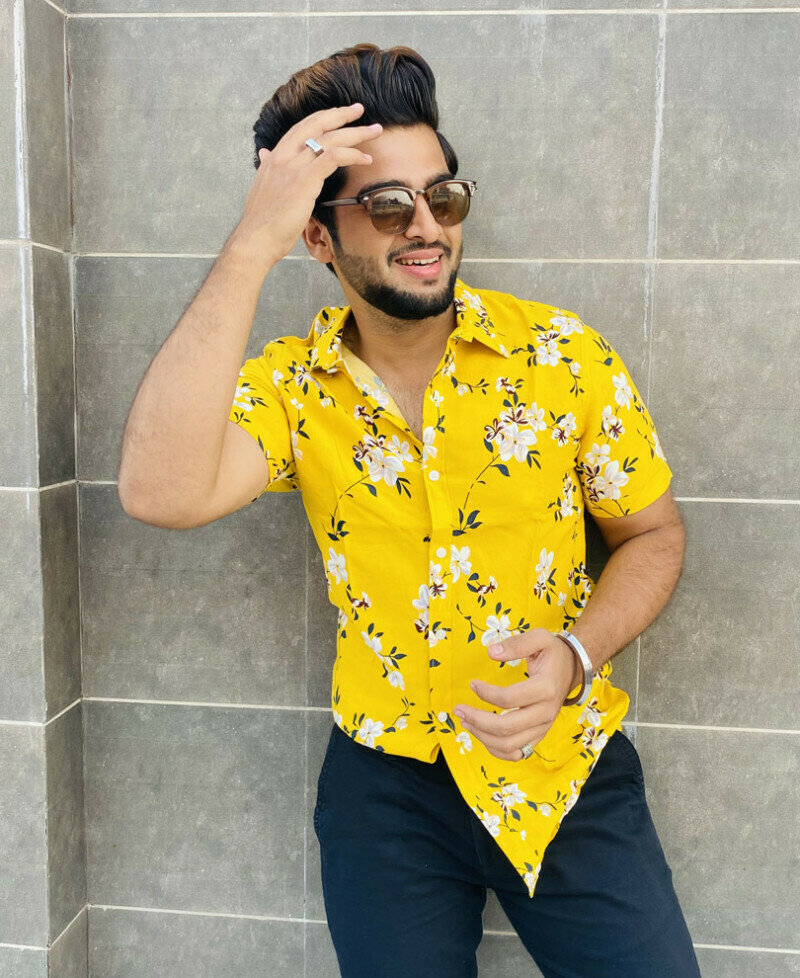 Yellow Flower Printed Short  Sleeves Shirt