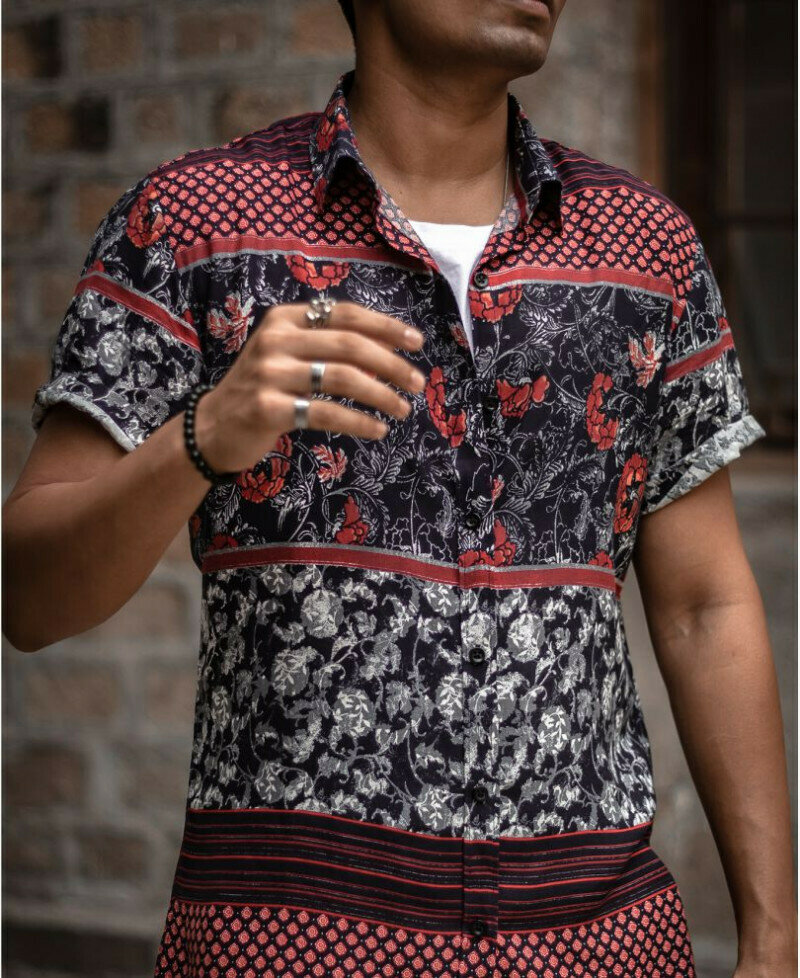 Attractive Black And Red Floral Printed Short  Sleeves Shirt