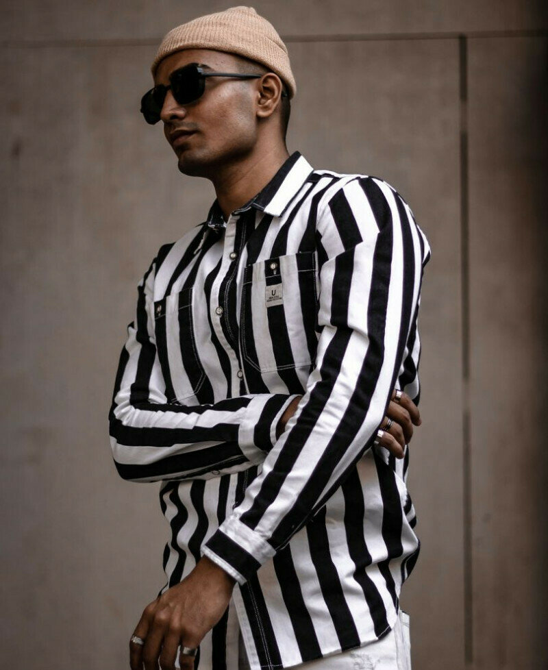Mens Look Attractive In Black And White Stripe Full Sleeves Shirt