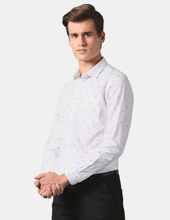 Looks Claasy In White Small Dott Printed Casual Wear Shirt