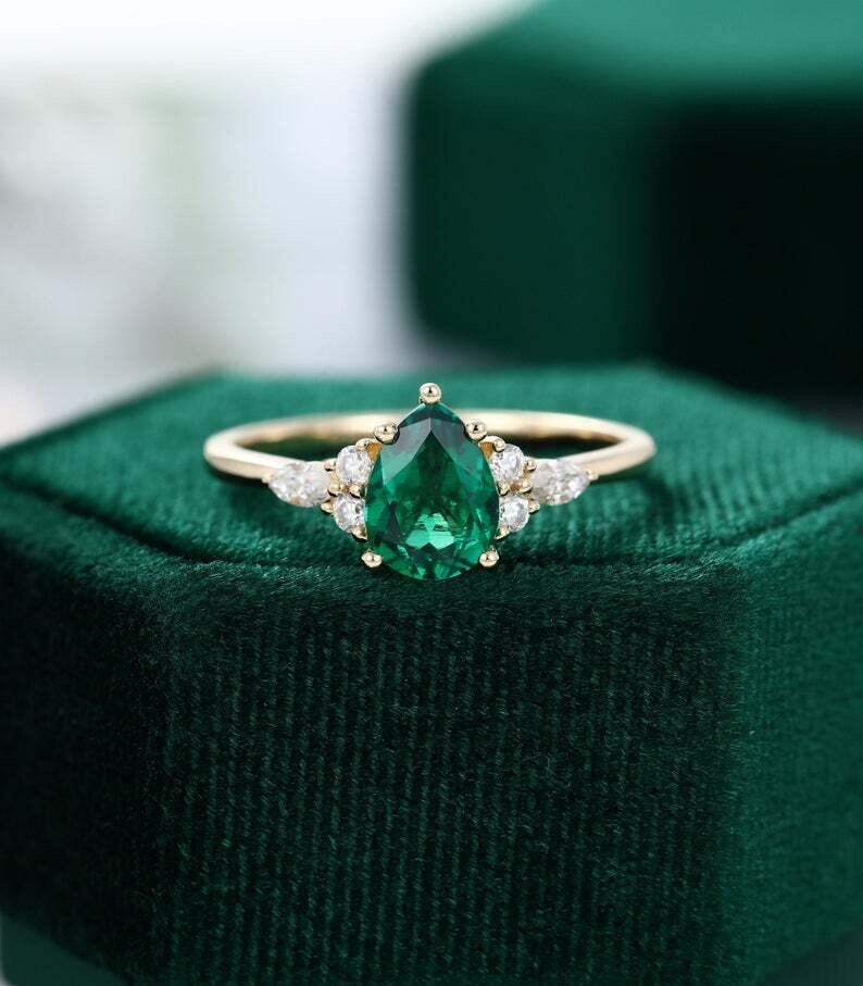 Pear shaped Emerald engagement ring yellow gold Unique Marquise cut diamond/Moissanite Cluster engagement ring women vintage Promise gift
