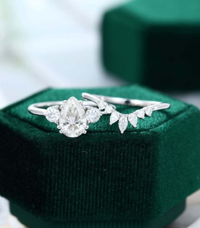 Pear shaped Moissanite engagement ring set white gold unique Cluster engagement ring women vintage moissanite/diamond ring Promise ring