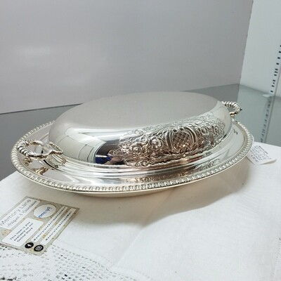 Vintage Wm Rogers Silver Plate Serving Dish with Lid & liner