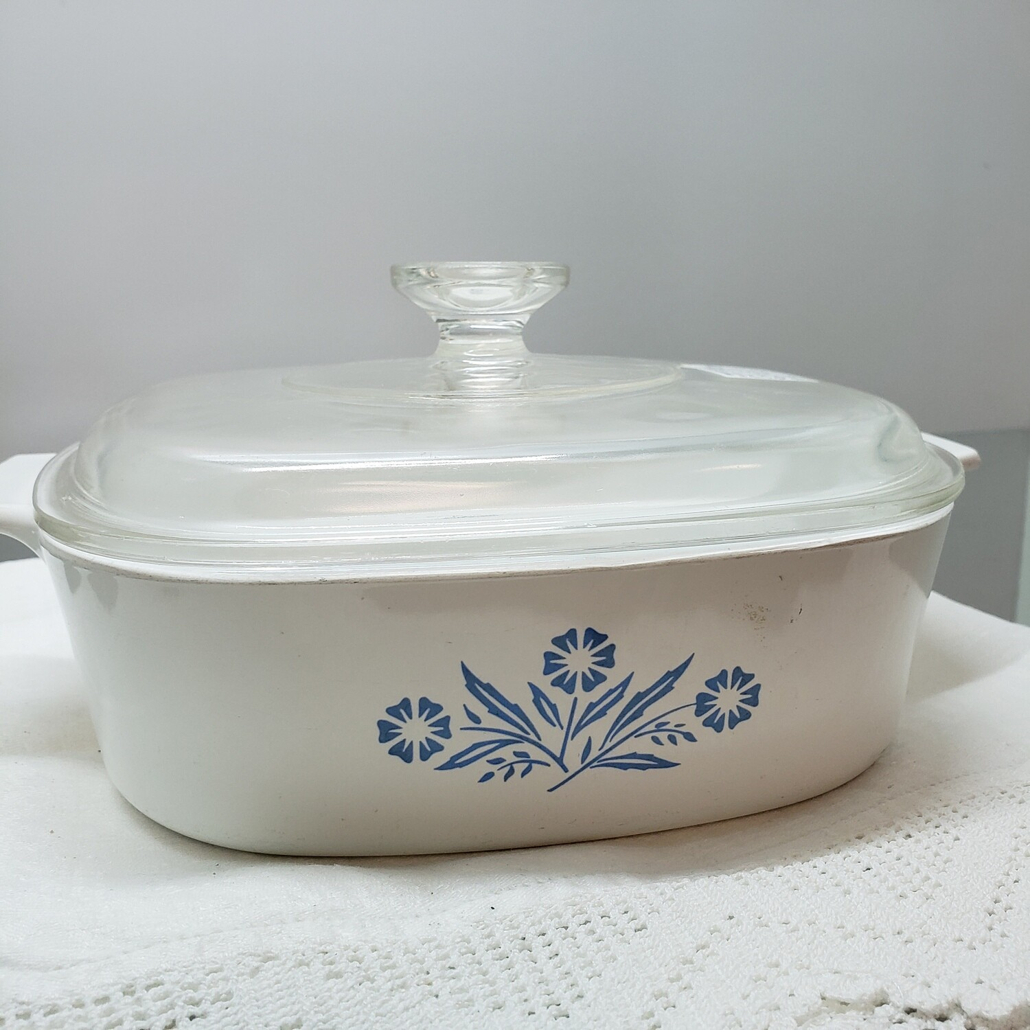 Corning ware dish with lid