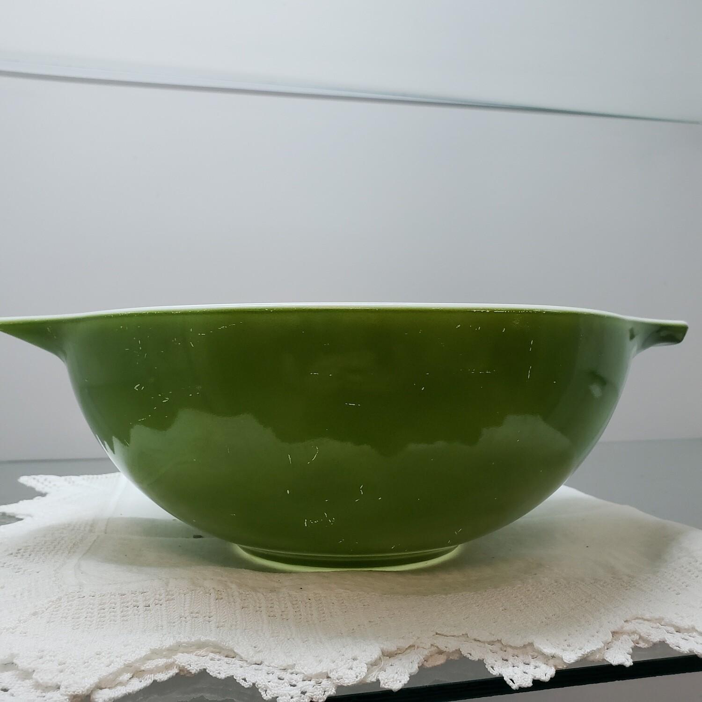 Green Pyrex bowl