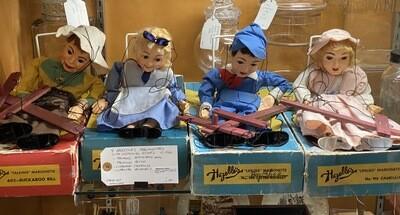 4 Hazelles Marionettes - Booth V94