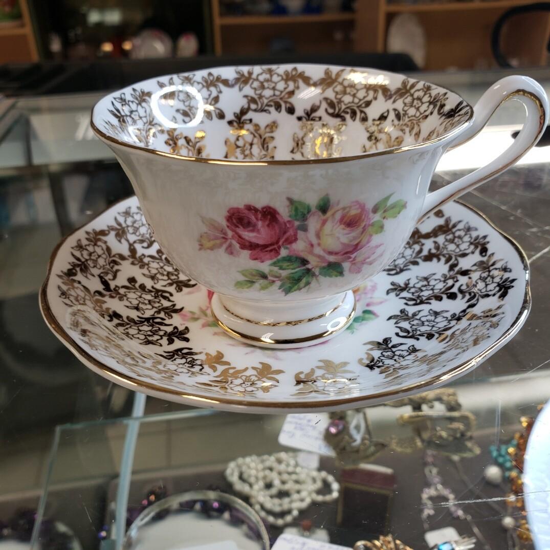 Royal Albert - #27914 - Floral Cup  & Saucer - Booth B43