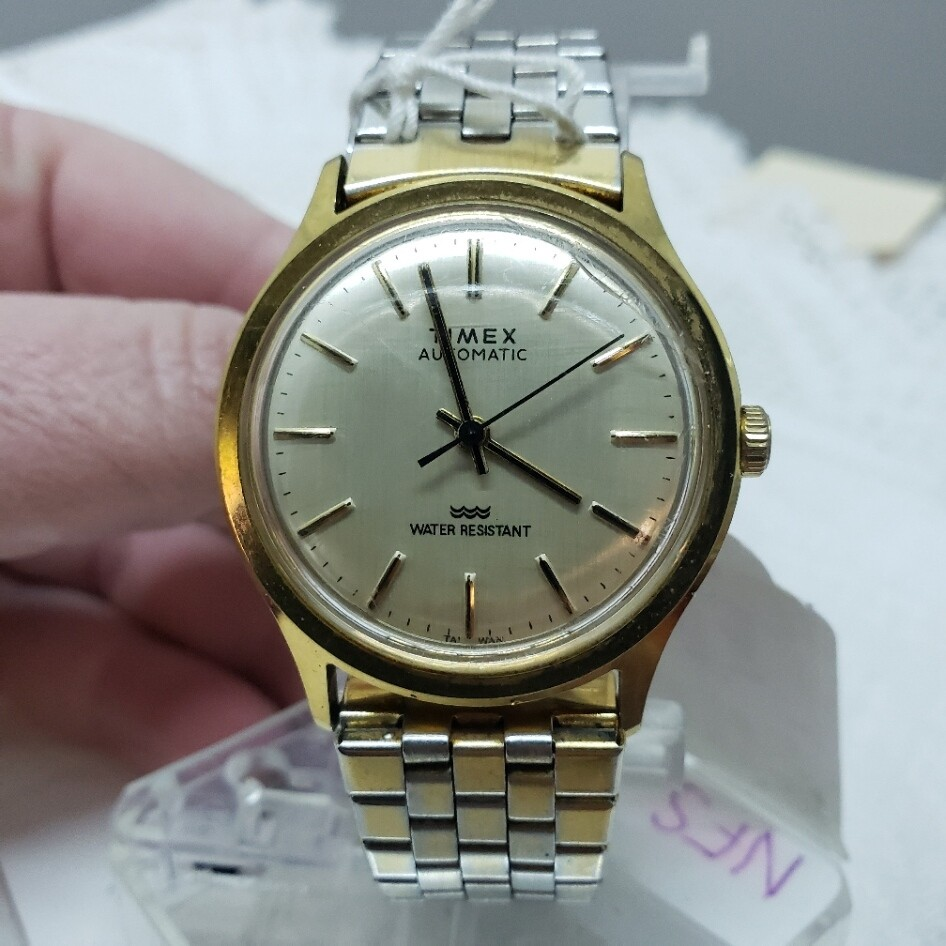 Wrist Watch - Timex Automatic  - Men's - Booth V51