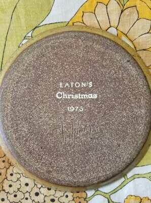 Hutchings Eatons Christmas Brown Pottery Tray - D53 - 1977