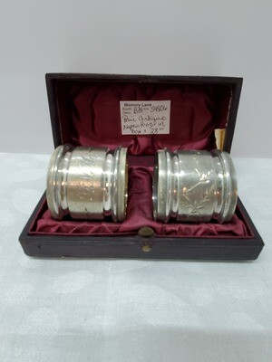 Pair of Antique Napkin Rings - silverplate in box - B34