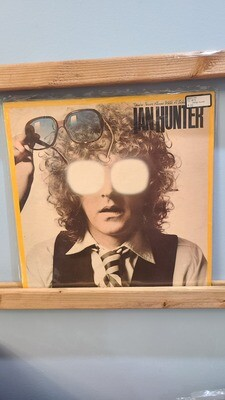 Ian Hunter - Never Alone With a Schizophrenic