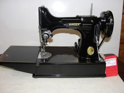 Featherweight sewing Machine - V51