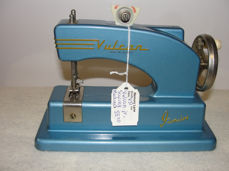 Vulcan Jr sewing Machine - V51