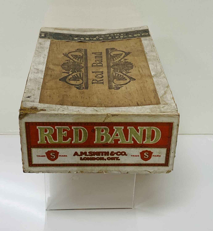 Red Brand Cigar box - V102