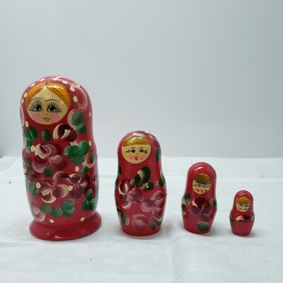Matryoshka doll - Stacking Dolls - 4 dolls