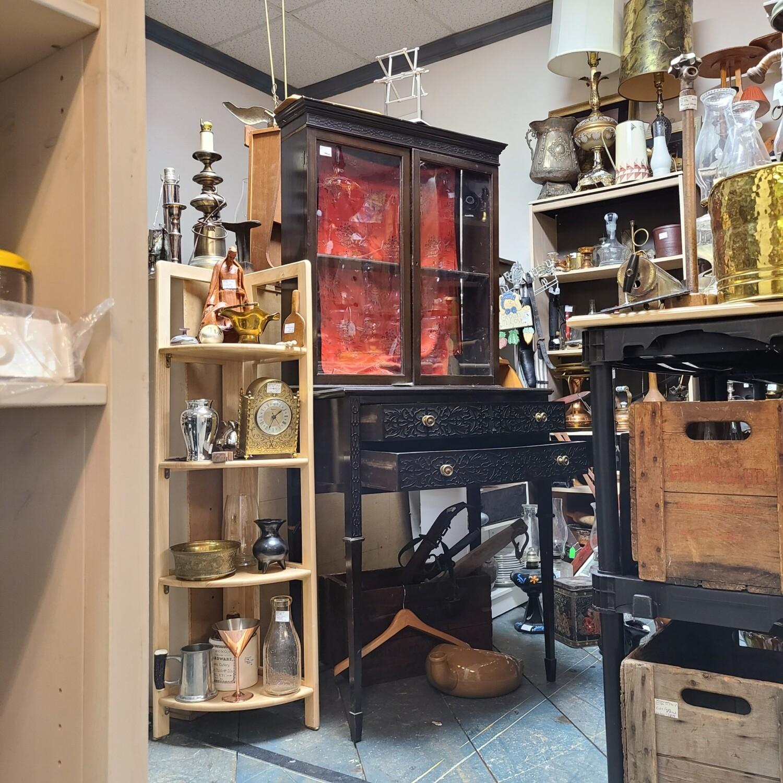 Beautiful Oriental Style Showcase Cabinet