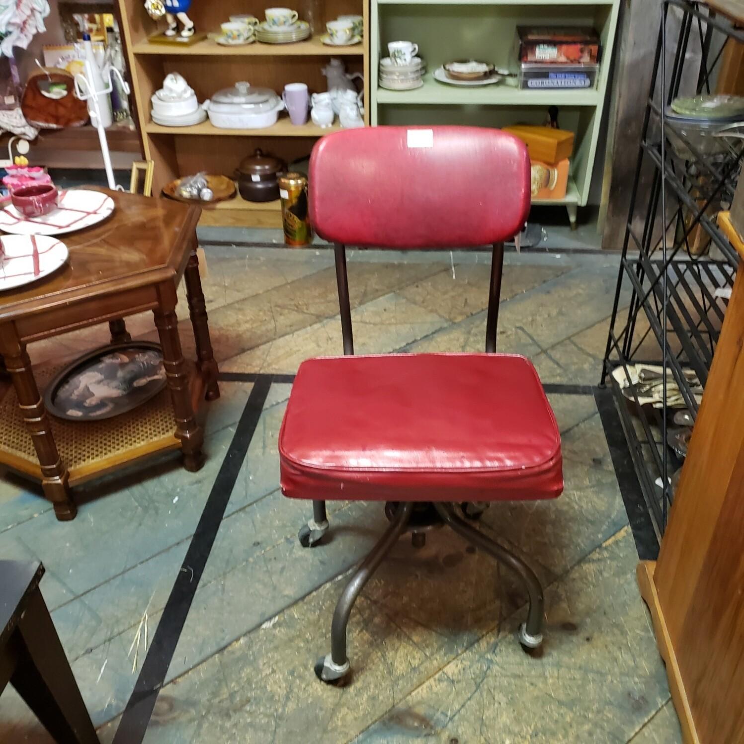 Retro Office Chair - V38