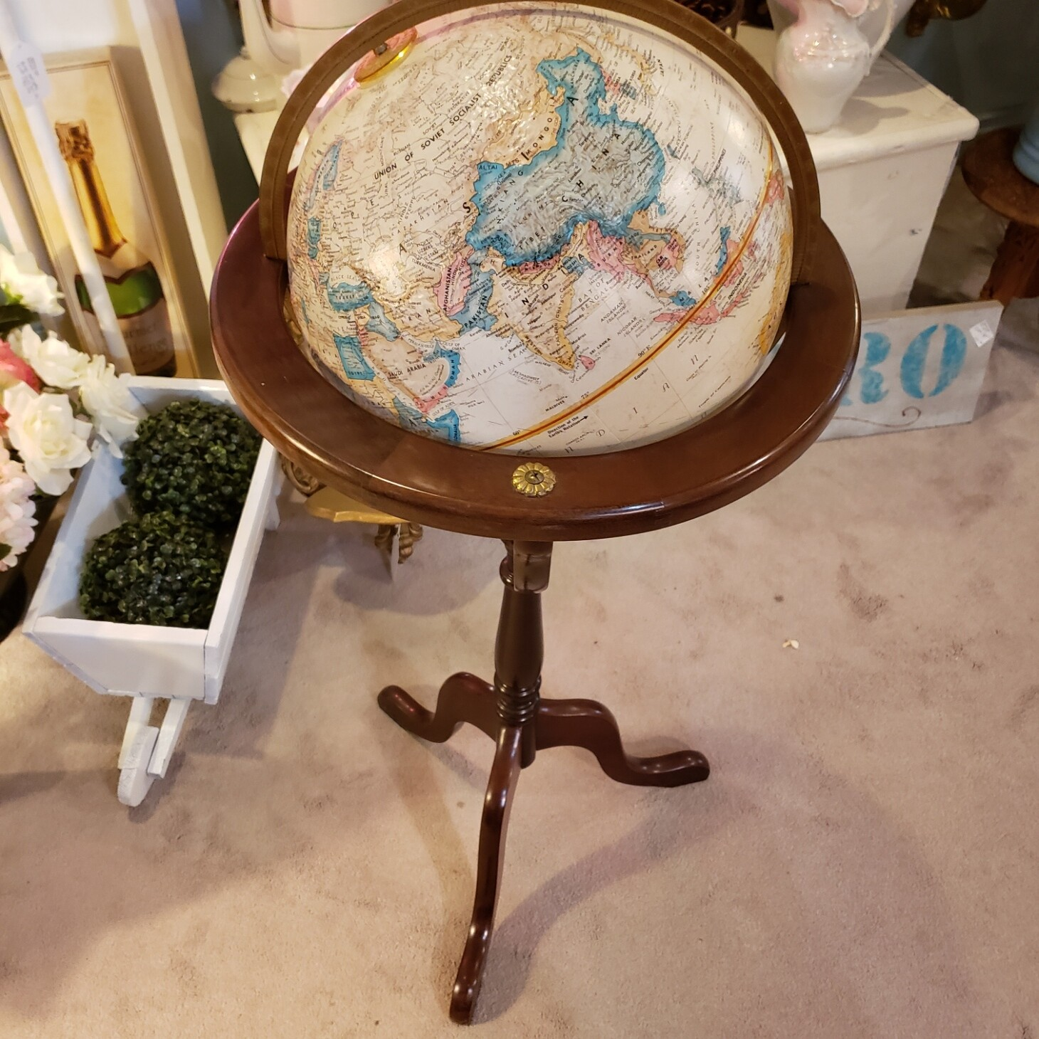 Globe with Stand - V55
