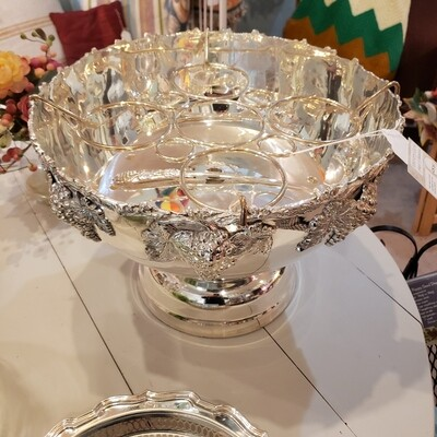 Stunning Silver Plate Champagne Holder - Punch Bowl With Server - V55