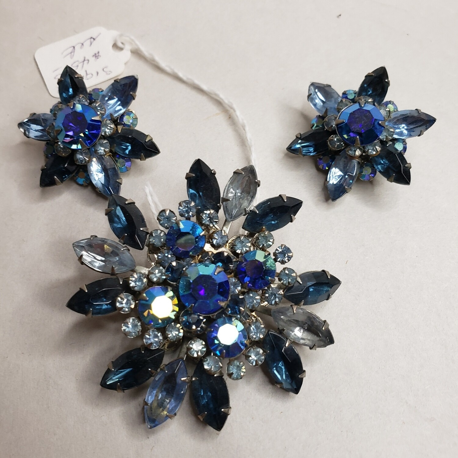 Vintage Brooch and Clip on Earring set - V86