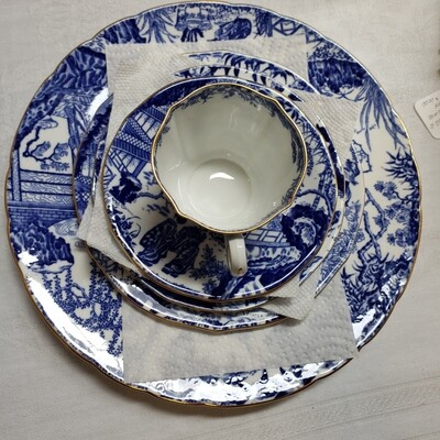 Royal Crown Derby - Blue Mikado -   40 piece dish set - 8 - 5 piece settings - C21