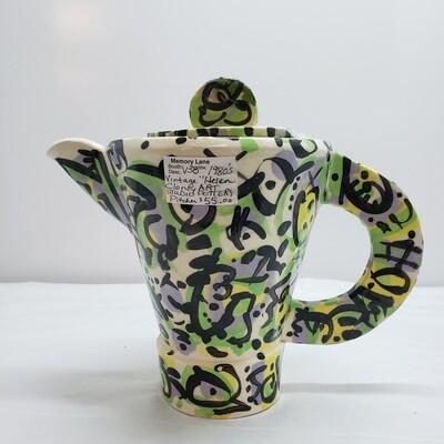 Teapot - 80s Vintage Art Pot - V38