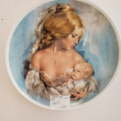 1977 Mothers Day Plate - LTD Edition Young