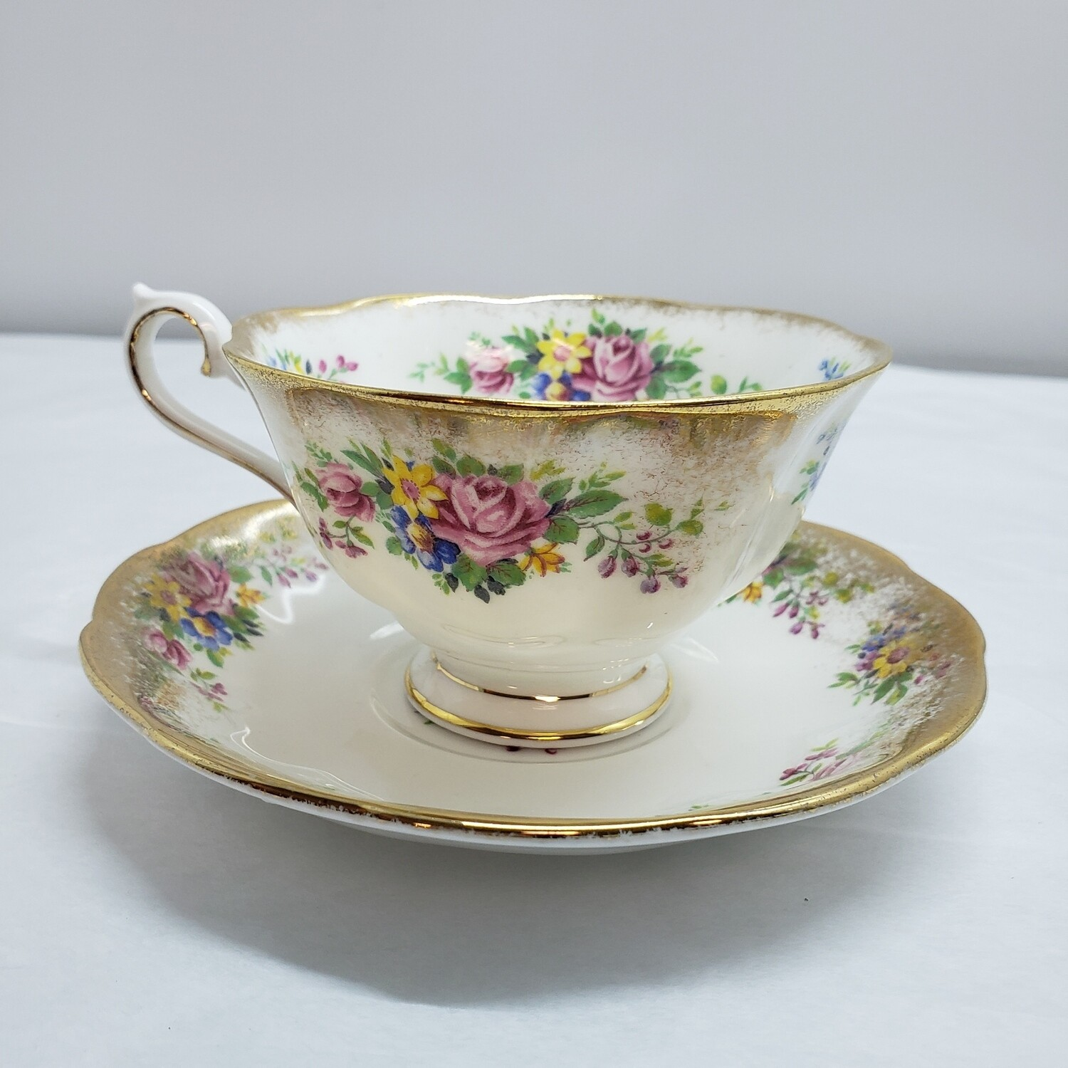 Royal Albert Tea Cup & Saucer - C21
