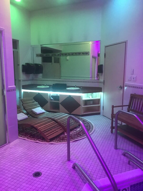 Couples Day Spa Jacuzzi/Sauna Package with Massage