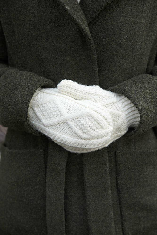 Adult Aran Handknit Mittens