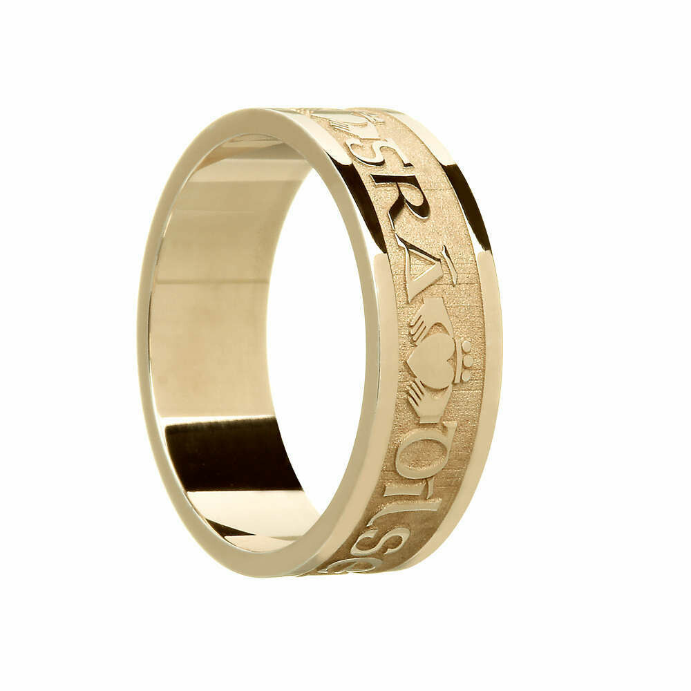"Mens 10kt Gold ""Gra Dilseacht Cairdeas"" (Love, Loyalty, Friendship) Wedding Band"