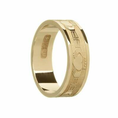 Mens 10kt Gold Claddagh Wedding Band