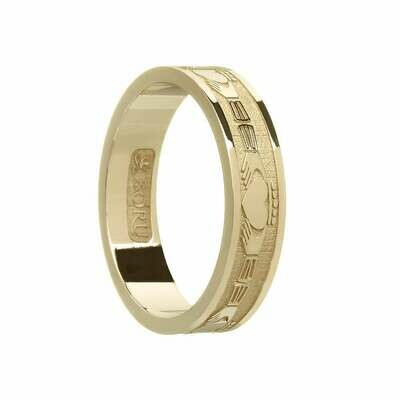 Ladies 10kt Gold Claddagh Wedding Band