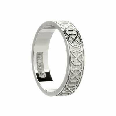 Ladies 10kt Gold Celtic Closed Knot Wedding Band
