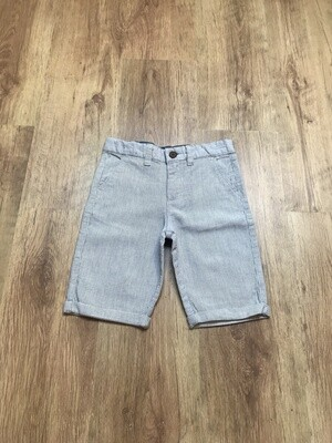 Short CHINO taille 7/8 ans