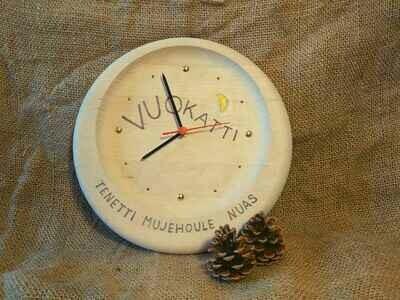 Vuokatti kello, puuta