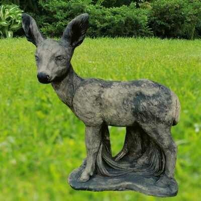 Betonipatsas Bambi, seisova