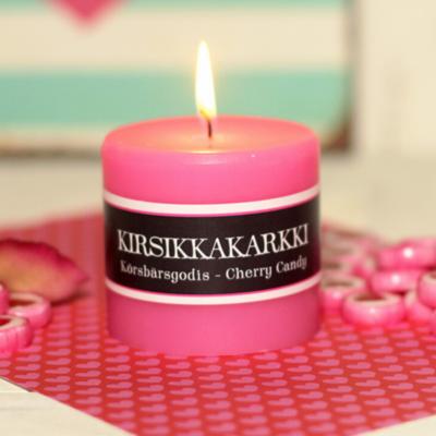 Kynttilä, kirsikkakarkin tuoksu