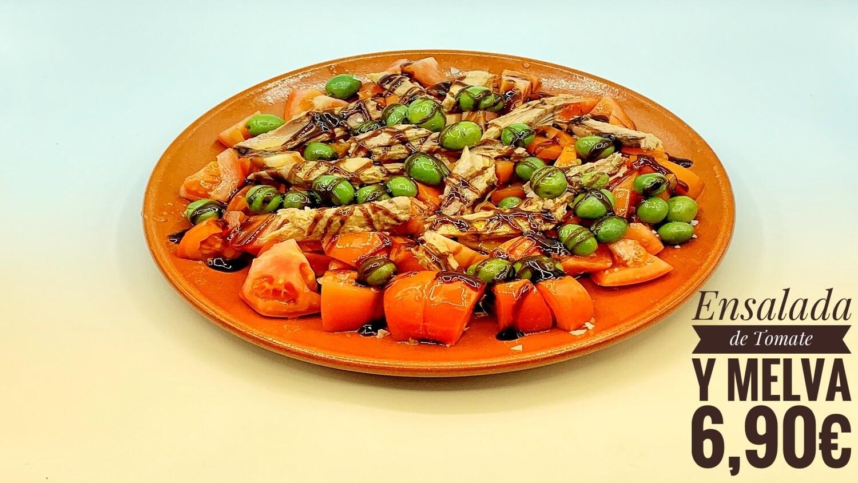 Ensalada de tomate y melva al balsámico
