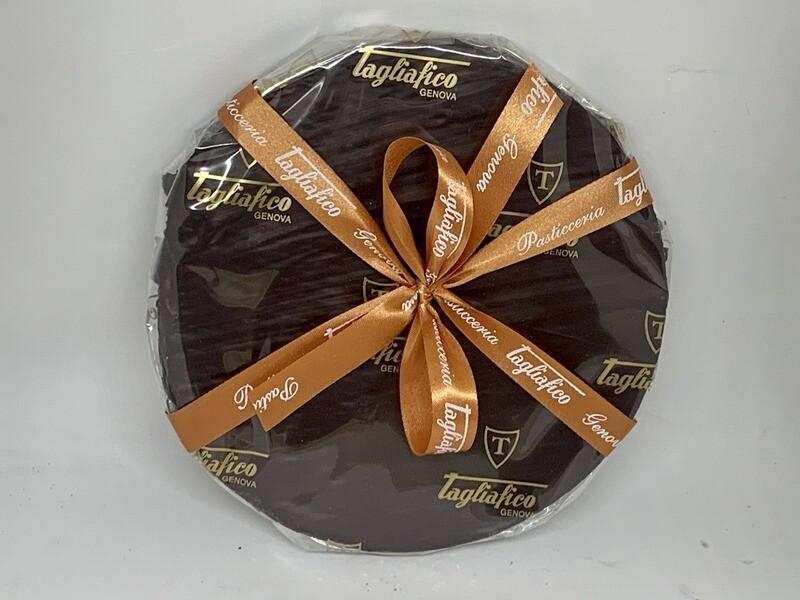 Torta Torrone ricoperta di cioccolato fondente